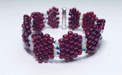 Candy Cuff by Valerie Catallozzi©2019, Brick Stitch, Bead Weaving class, Swarovski Crystal, Holiday Gift, Holiday Bracelet
