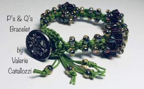 P's & Q's Bracelet by Valerie Catallozzi©2019, Macramé, Micro-Macramé Knotting class