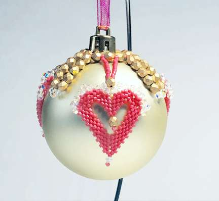 Ornament February by Valerie Catallozzi©2020, Bead Stitch, Bead Weaving Class, Ornament, Hearts, Heart Earrings, Circular Peyote Stitch, Valentine's Day