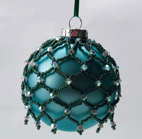 Ornament March by Valerie Catallozzi©2020, Bead Stitch, Bead Weaving Class, Ornament, Beaded Netting
