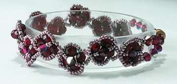 Ruby Rosebuds by Valerie Catallozzi©2021, Bead Weaving Class, RAW, Right-Angle Weave, Ruby Birthstone, July Birthstone