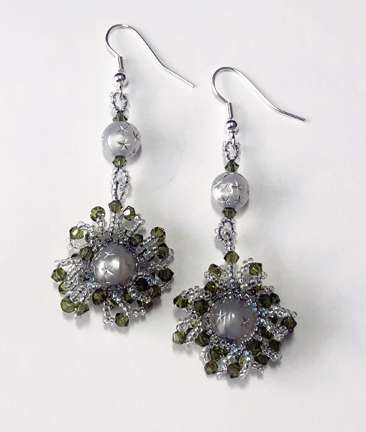 Starburst Holiday Earrings by Valerie Catallozzi©2020, Peyote, Pearl, Earrings, Bead weaving Class, Holiday Gift